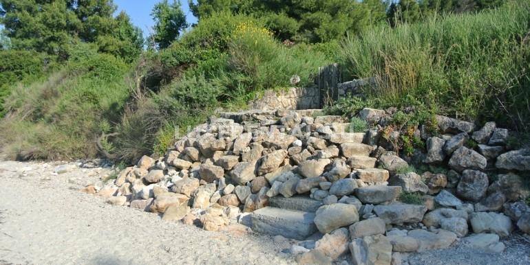 Gate & path to the beach
